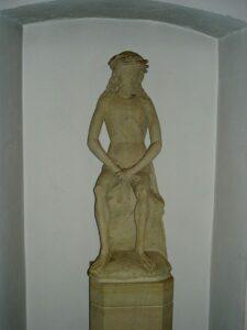 Skulptur Jesus in der Rast in der St. Josef Kirche