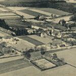 schwarz-weiß Postkarte mit Luftaufnahme von Alt-Kinderhaus
