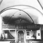 schwarz-weiß Innen-Aufnahme von der Orgelbühne über dem Eingang der alten St. Josefs Kirche